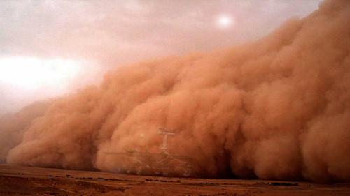 Hơi nước trên sao Hỏa biến mất chính là do bão bụi càn quét. Ảnh: Kiến thức