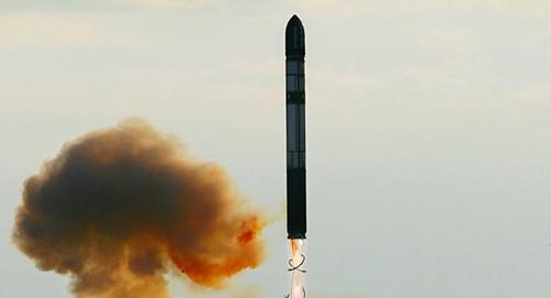 Tên lửa RS-28 Sarmat của Nga có tầm bắn khủng khiếp nhất lịch sử. Ảnh: Kiến thức