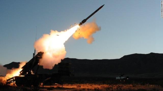 Tên lửa Mỹ khai hỏa. Ảnh: TTXVN