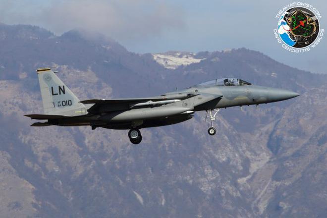 Tiêm kích F-15 sẵn sàng nhả đạn dọn đường để Mỹ tấn công Syria. Ảnh: Trí thức trẻ