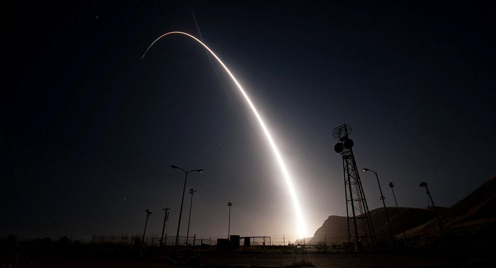 Tên lửa LGM-30G Minuteman III khai hỏa. Ảnh: Theo Sputnik