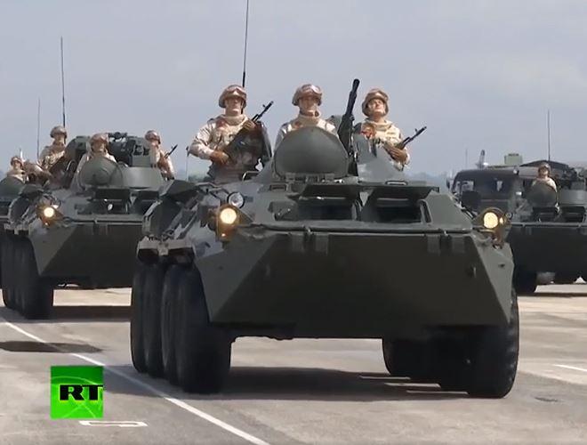 Xe bọc thép BTR-82A của Nga tại Lễ duyệt binh mừng Ngày Chiến thắng Phát xít ở Syria. Ảnh: RT