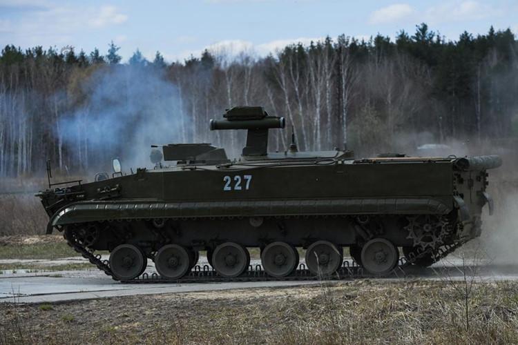 Hệ thống tên lửa Khrizantema-S của Nga trở thành vũ khí đáng sợ nhất trên chiến trường. Ảnh: Kiến thức