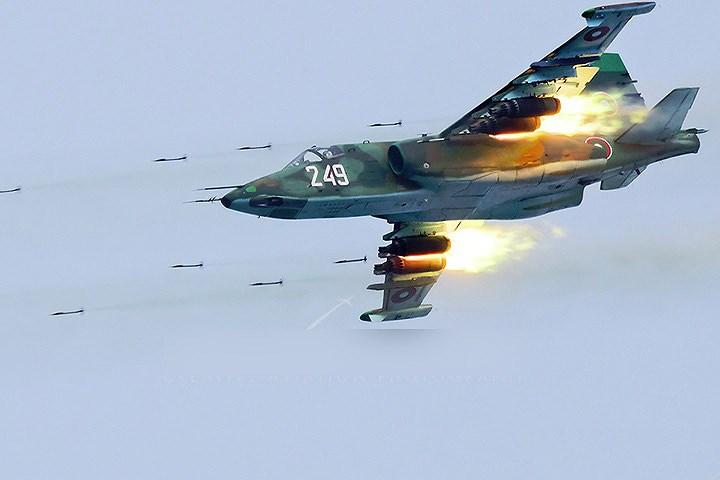 Tiêm kích Su-25 là vũ khí được Nga coi như 'bảo bối' bảo vệ bầu trời Syria. Ảnh: VOV
