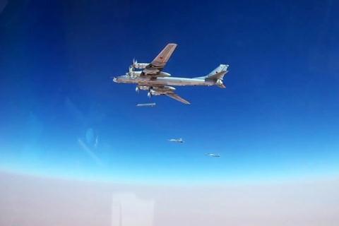 Tên lửa Kn-101 tấn công khủng bố tại Syria. Ảnh: Đất Việt