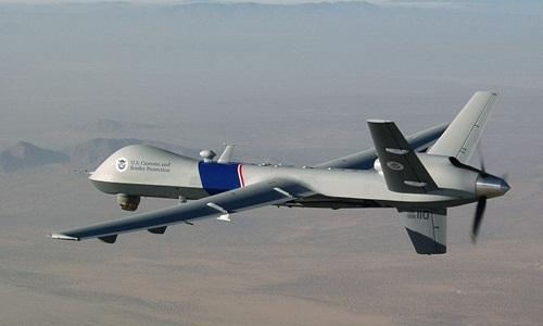 Máy bay Mỹ được cho là vũ khí đang lượn lờ tại biên giới Nga. Ảnh: VnExpress