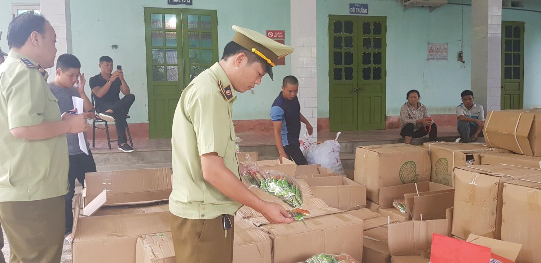Số bánh kẹo bị Đội Quản lý thị trường số 5 Lạng Sơn thu giữ