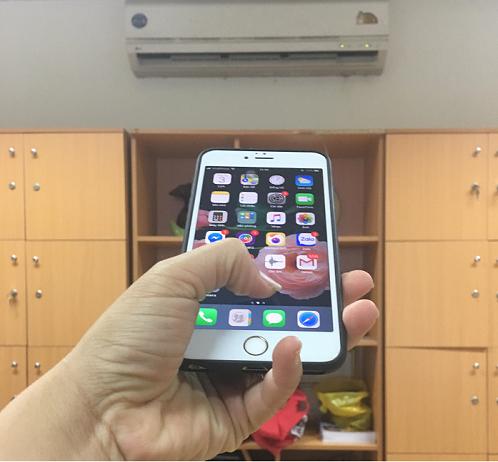Người dùng có thể hoàn toàn biến chiếc điện thoại của mình thành chiếc điều khiển điều hòa, tivi, tủ lạnh một cách đơn giản