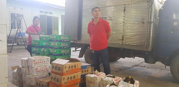 Thực phẩm nhập lậu bị lực lượng chức năng Lạng Sơn thu giữ