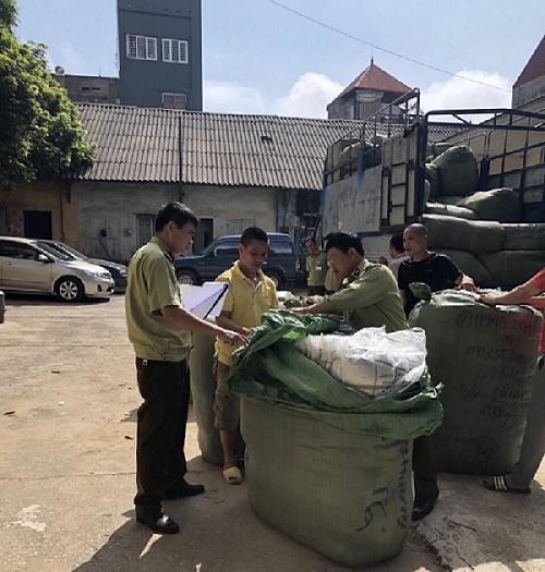 Hàng hóa không có hóa đơn chứng từ được Đội Quản lý thị trường số 7 Lạng Sơn phát hiện và thu giữ