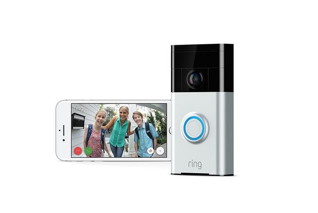 Chuông cửa thông minh có thể giúp chủ nhà quan sát phía trước ngôi nhà thông qua smartphone dễ dàng