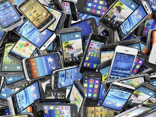 Thói quen đổi điện thoại liên tục có thể làm nguồn nguyên liệu tự nhiên ngày càng cạn kiệt khiến nhà khoa hoc lo lắng