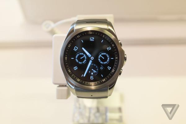 LG smartwatch có giá cao hơn Apple Watch