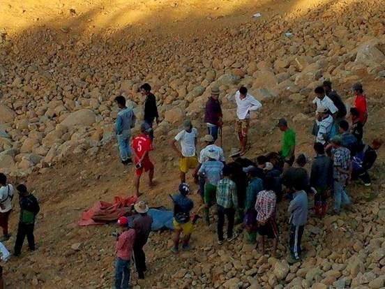 Hiện trường vụ lở đất nghiêm trọng xảy ra chiều 21/11 ở khu mỏ ngọc bích tại miền Bắc Myanmar