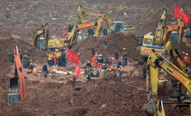 Hiện trường kinh hoàng của vụ lở đất ở Trung Quốc
