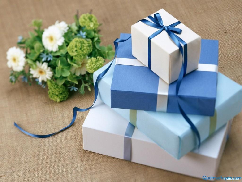 Kết quả hình ảnh cho món quà tặng ý nghĩa