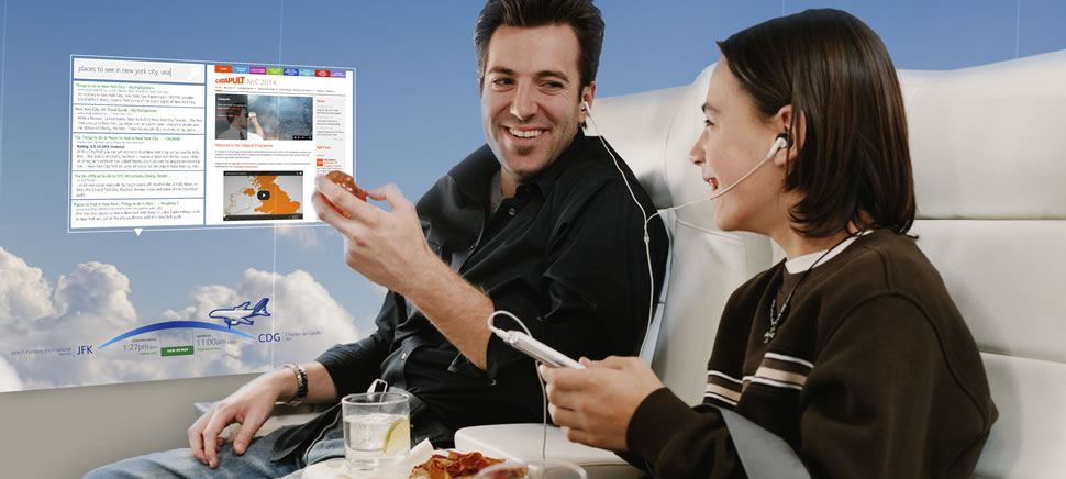 Màn hình OLED trên máy bay sẽ cung cấp thêm một cách tiếp cận, tương tác với các dịch vụ của hãng hàng không