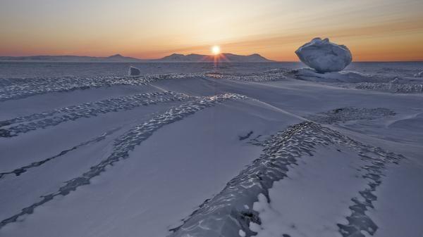 Do hiện tại không có điểm định cư nào của con người ở phía nam của vòng Nam cực, nên vùng lãnh thổ của các quốc gia với dân cư quan sát được hiện tượng tự nhiên này chỉ là những vùng lãnh thổ nào nằm phía trên vòng Bắc cực.