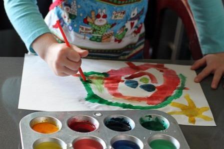 Màu nước trẻ em có lượng chì cao gây tổn thương não và ảnh hưởng đến sự phát triển