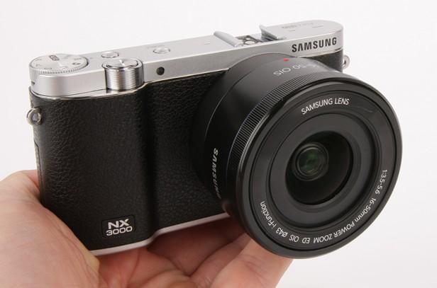 Mẫu máy ảnh đa chức năng này sở hữu mức giá 6,6 triệu đồng