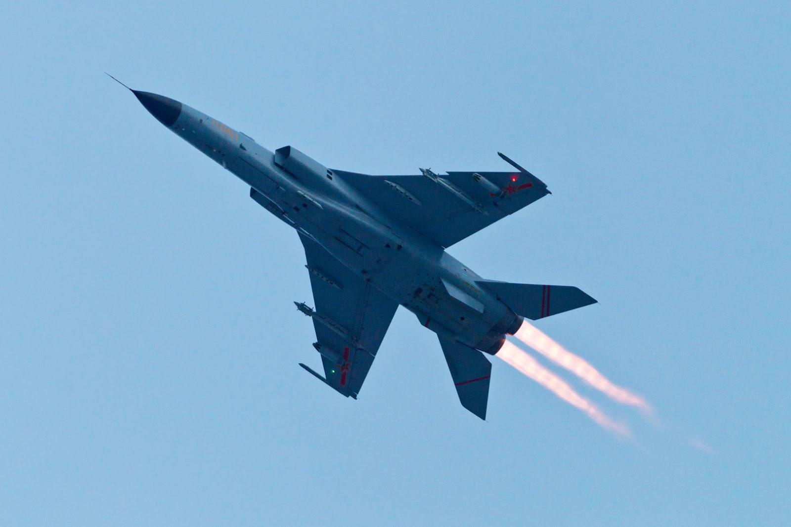 Giới quân sự Trung Quốc tán tụng tiêm kích JH-7 là niềm kiêu hãnh của máy bay chiến đấu quốc nội