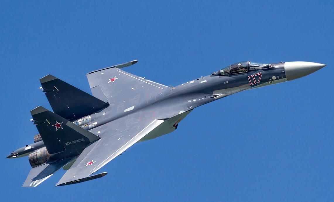 Máy bay chiến đấu Su-35S thế hệ 4++ có nhiều tính năng ngang với các máy bay thế hệ thứ 5