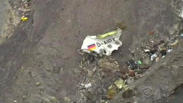 Mảnh vỡ máy bay Đức trên sườn núi