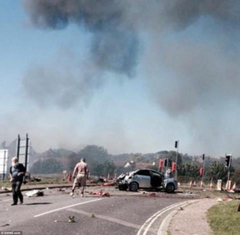Một vài người sống sót sau vụ tai nạn đã chụp được hiện trường ở cự ly rất gần