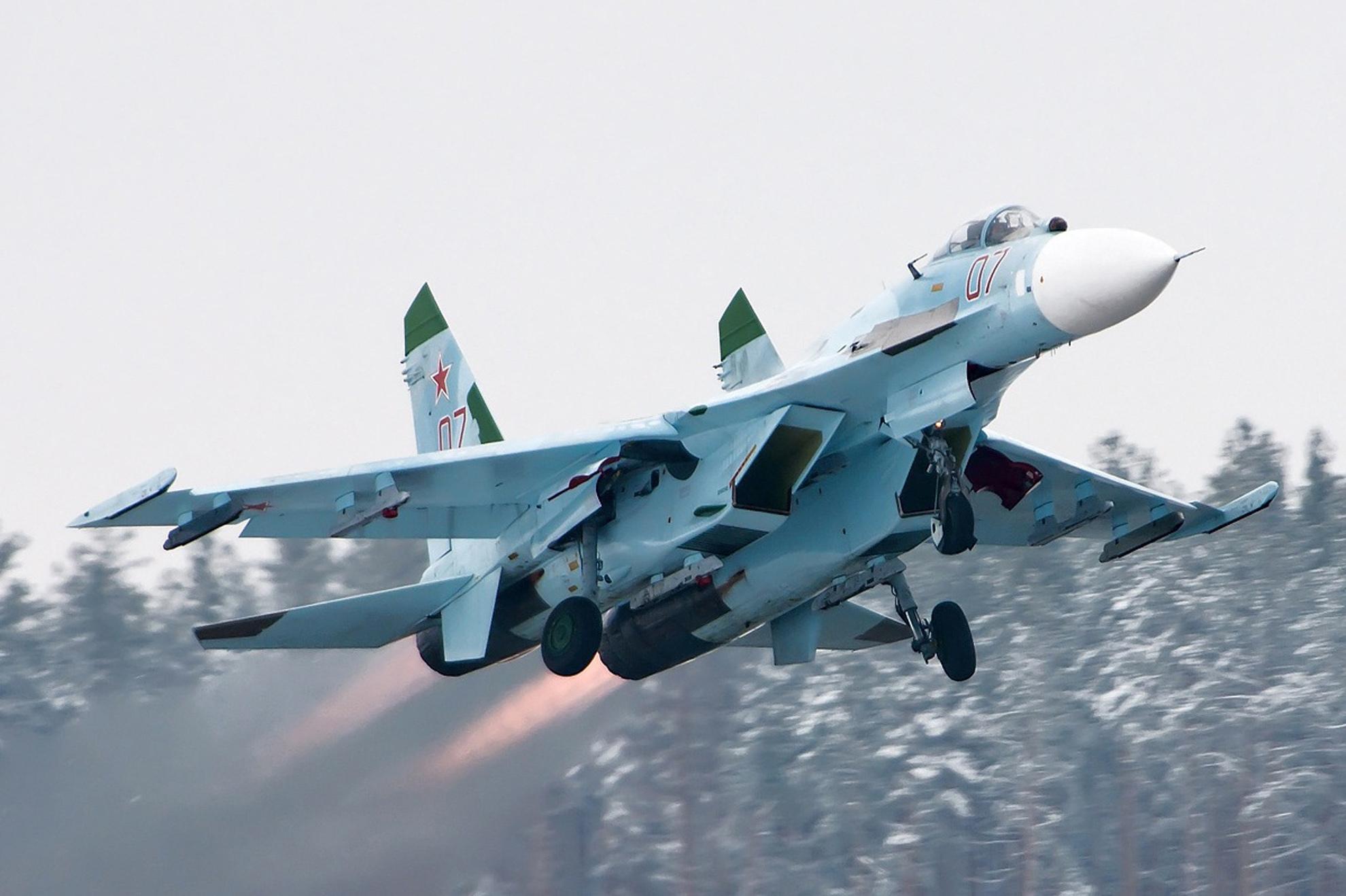 Máy bay Su-27 là thế hệ 'lão tướng' huyền thoại trong số các tiêm kích do Liên Xô sản xuất