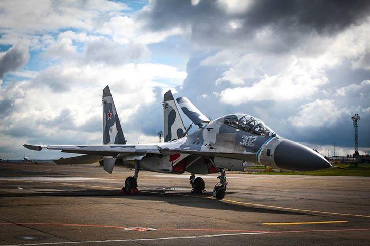 Với uy lực vượt trội, máy bay chiến đấu Su-27 từng là vũ khí làm mưa làm gió trên nhiều chiến trường
