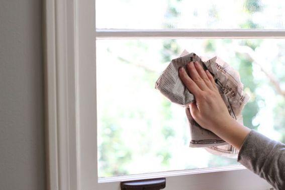 Mẹo cách lau cửa kính sạch bóng như mới