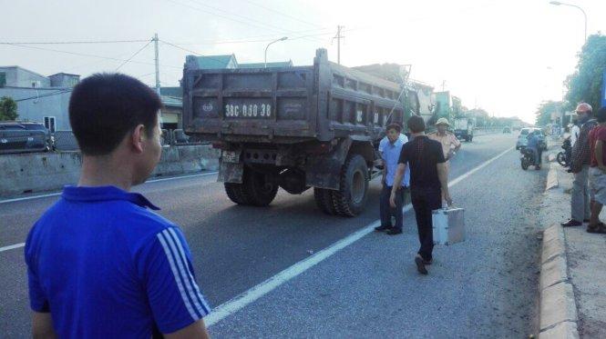 Chiếc xe ben gây tai nạn giao thông khiến em bé 8 tuổi tử vong