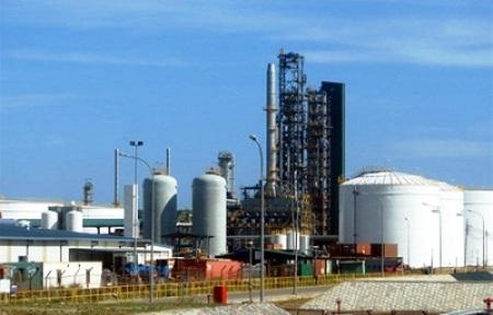 Trước khi tử vong vì đột tử, chuyên gia Anh Adam Bradley Cummings làm việc tại khu liên hợp lọc hóa dầu Nghi Sơn