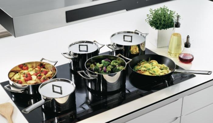 Chọn mua bếp điện từ người tiêu dùng nên mua của các hãng sản xuất và cửa hàng uy tín