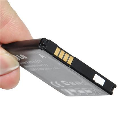 Pin cũng là điểm cần lưu ý khi mua điện thoại cũ