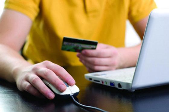 Khách hàng cần hết sức lưu ý khi mua sắm online để tránh bị lừa mua phải hàng giả, hàng kém chất lượng