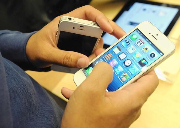Mua iPhone cũ giá rẻ đang là sự lựa chọn của một bộ phận người tiêu dùng Việt trong dịp Tết Bính Thân 2016