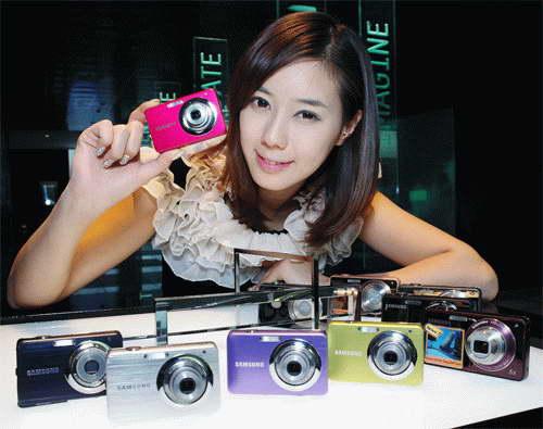 Hàng loạt thương hiệu lớn tung các mẫu sản phẩm phục vụ nhu cầu mua máy ảnh giá rẻ