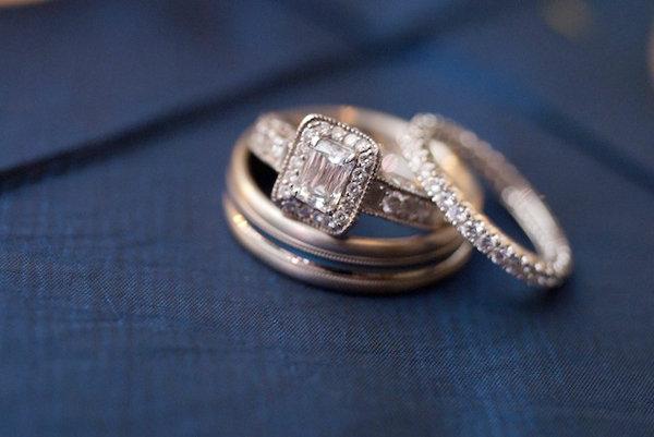 Chọn mua nhẫn cưới hợp phong thủy cho người mệnh Thổ