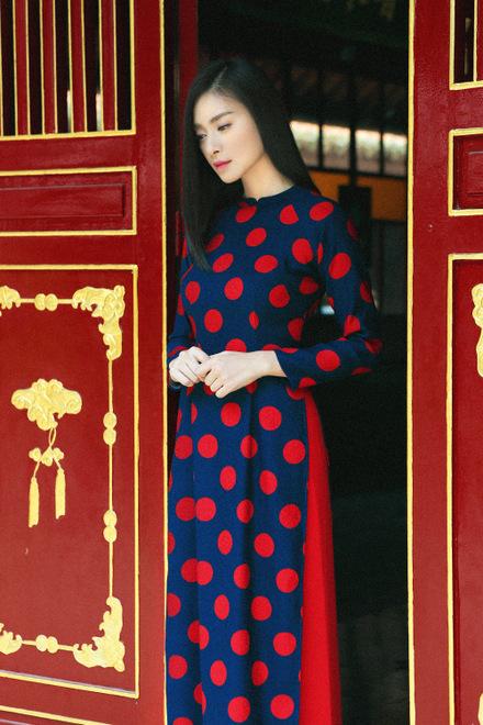 Mỹ nữ tuổi Mùi Ngô Thanh Vân dịu dàng trong tà áo dài