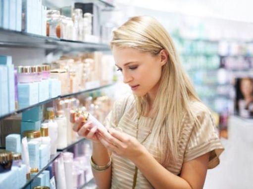 Người tiêu dùng cần đọc kỹ hướng dẫn sử dụng trước khi mua và sử dụng mỹ phẩm