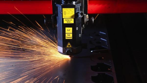 công nghệ la-ze mới vừa được thực nghiệm tại một nhà máy nhỏ tại phía Nam Yorkshire nhằm cải thiện năng suất lao động