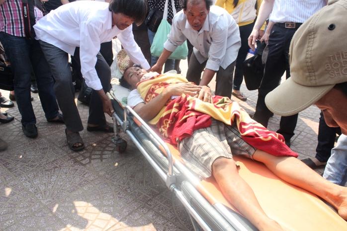 ngư dân việt nam bị thương nặng vì bị tàu trung quốc đâm