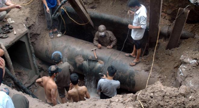 đường ống nước sông Đà