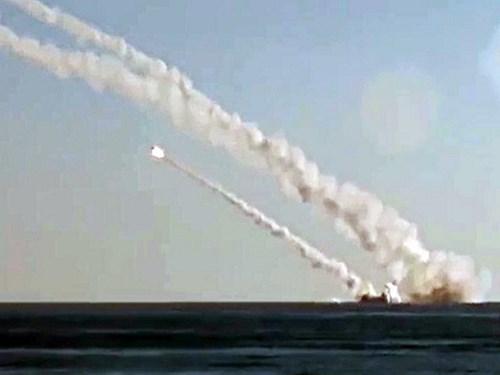 Tàu ngầm Rostov-on-Don của Nga phóng tên lửa 3M-54 Kalibr