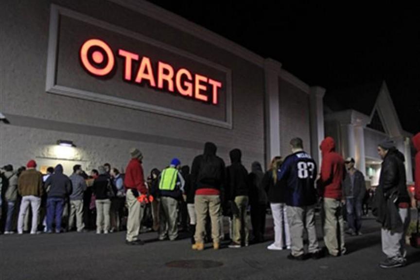 Người đàn ông bị bỏ mặc trong ngày hội mua sắm Black Friday đã qua đời vì sự thờ ơ của những người mua sắm