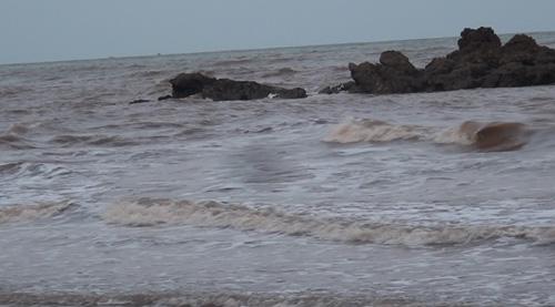 Bãi biển Nghệ An nơi 3 em học sinh tiểu học gặp nạn