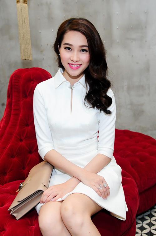 Nghệ sĩ tuổi Mùi thành công trong chương trình Hoa hậu Việt Nam, Hoa hậu Đặng Thu Thảo được mệnh danh là hoa hậu đẹp nhất