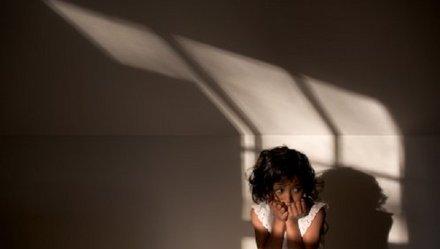 Trước đó, ở Quảng Ngãi cũng xảy ra vụ việc một bé gái 13 tuổi nghi bị lạm dụng tình dục đến mức có thai và bị sảy
