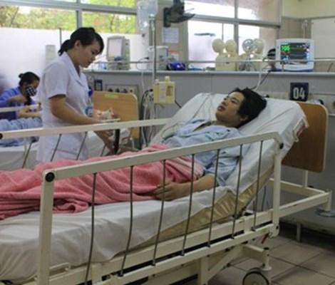Ngộ độc nấm do chủ quan, cả gia đình nhập viện, 2 người đã tử vong